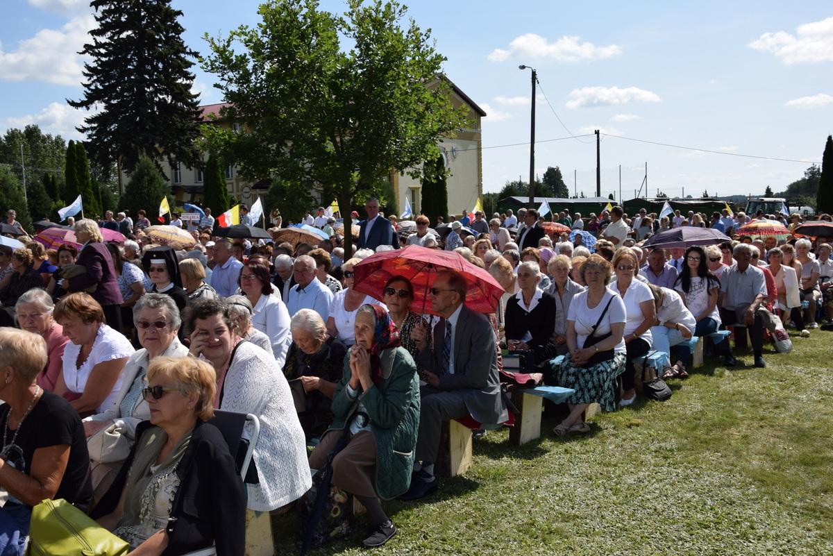Diecezjalne uroczystości 300lecia koronacji Obrazu MB Częstochowskiej Topczewo 26.08.2017r (4)