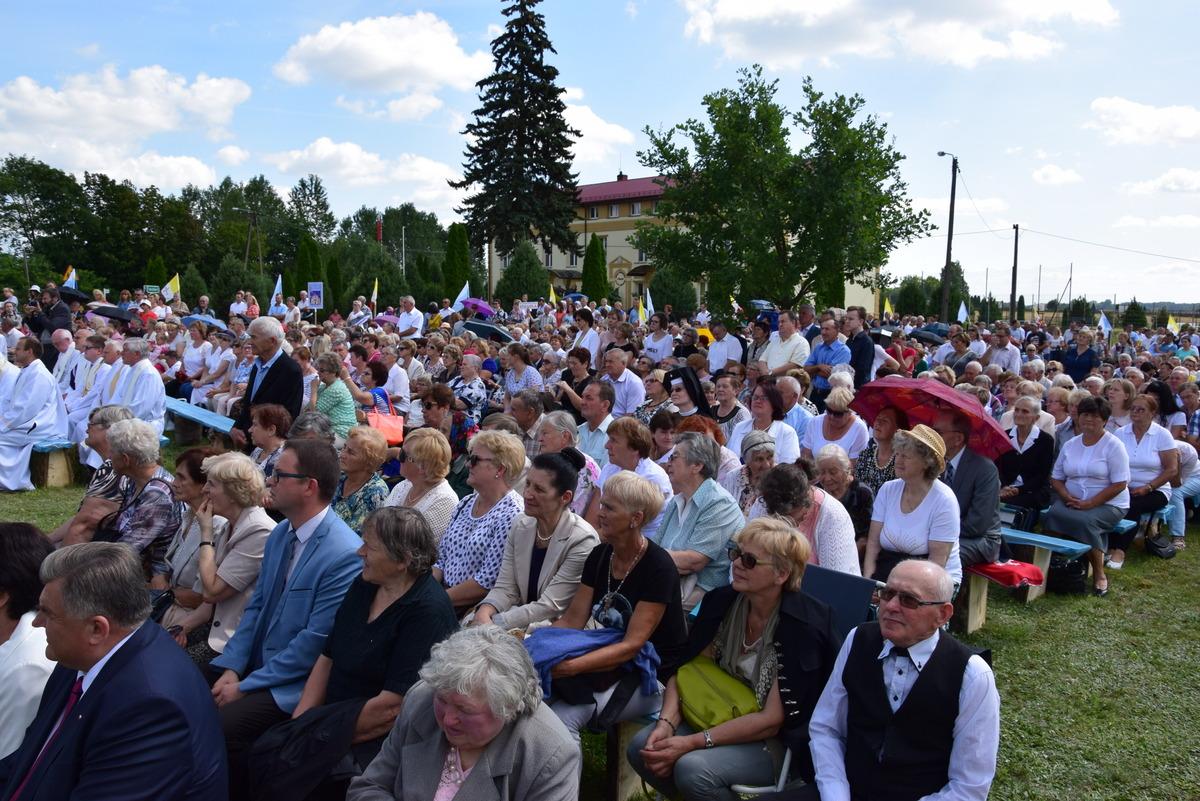 Diecezjalne uroczystości 300lecia koronacji Obrazu MB Częstochowskiej Topczewo 26.08.2017r (40)